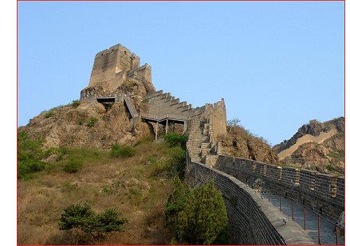 它位於秦皇岛市区东部15公里处,建於明洪武年间(1381年),是万里长城的